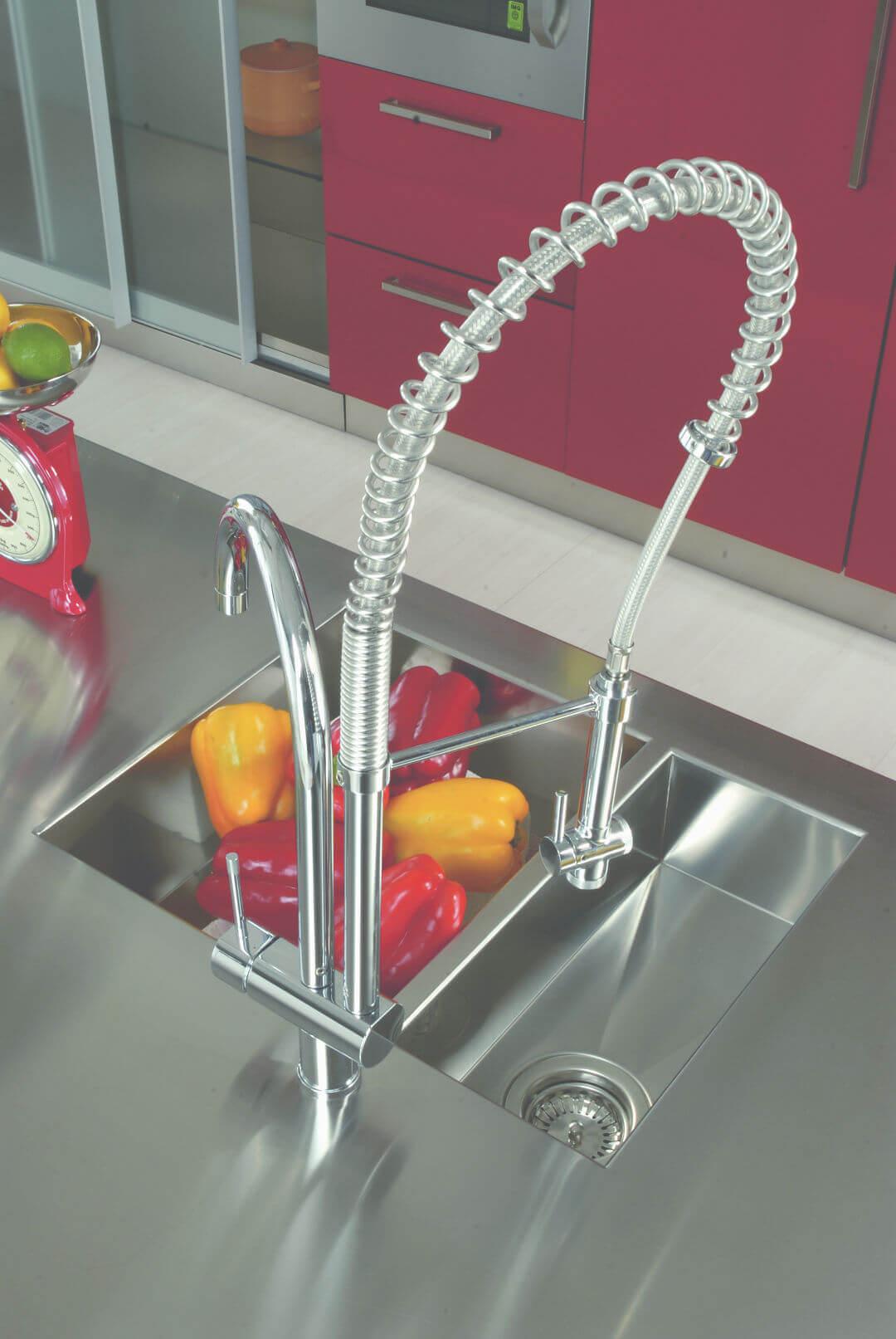 Arca Cucine Italia - Cucina Domestica in Acciaio Inox e Vetro - Opera - Miscelatore Semiprofessionale Doccione