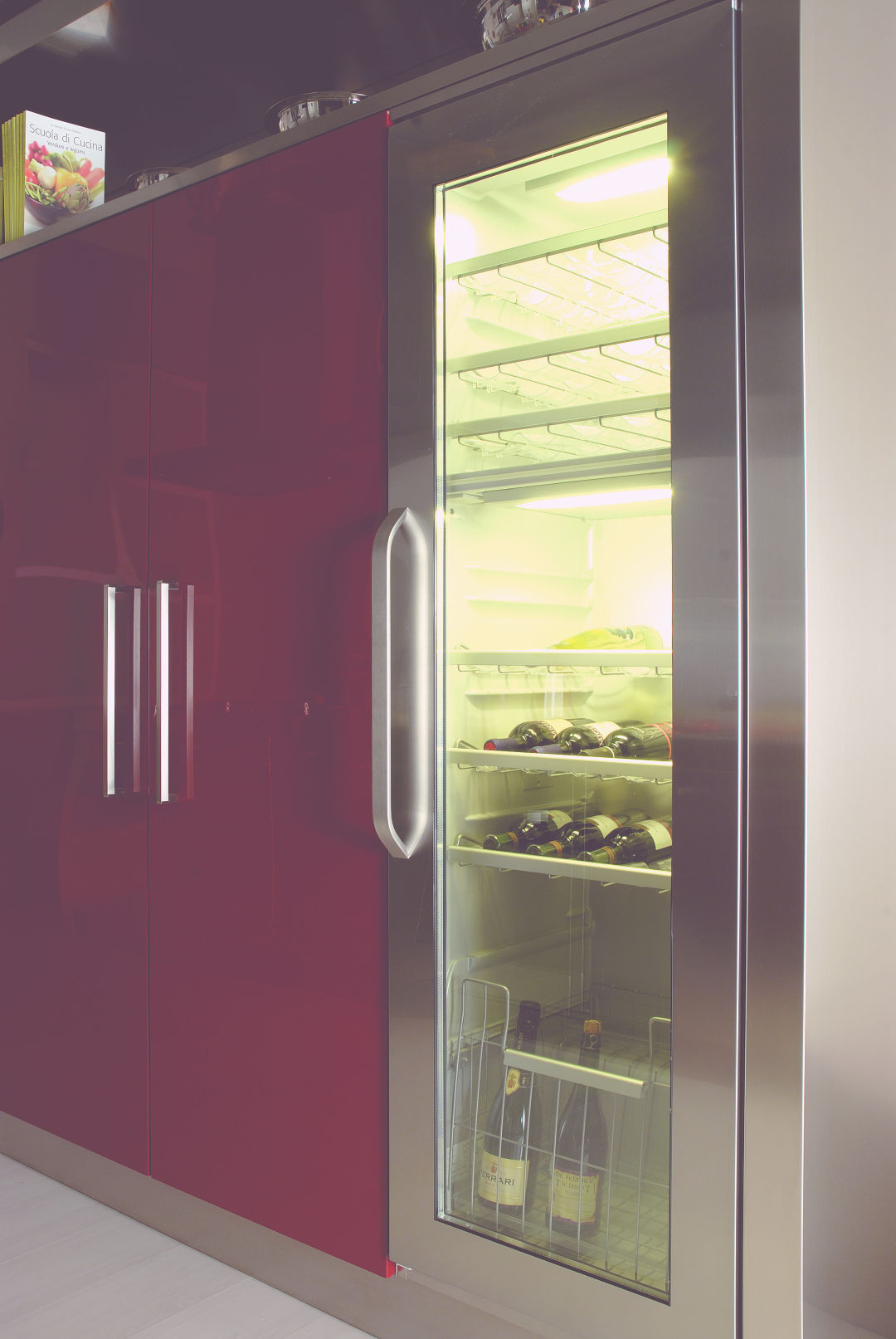 Arca Cucine Italia - Cucina Domestica in Acciaio Inox e Vetro - Opera - Cantinetta Refrigerata