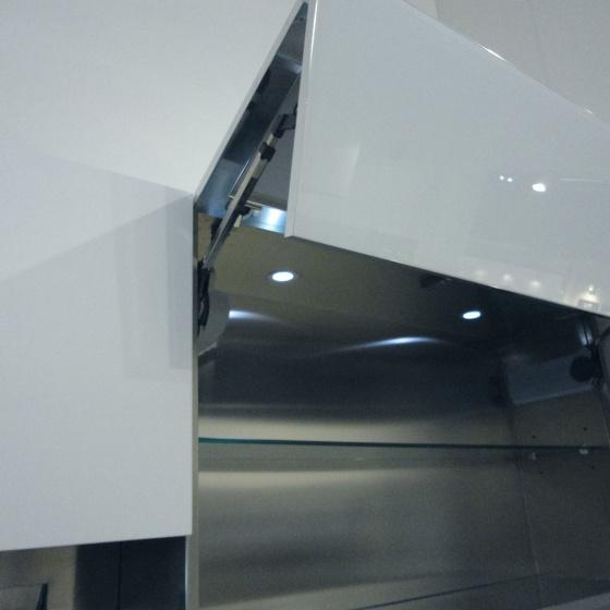Arca Cucine Italia - Cucine Domestiche Acciaio Inox - Accessori - Anta A Soffietto Con Apertura Automatica 021