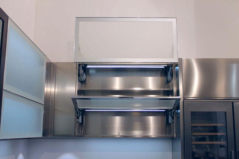Arca Cucine Italia Cucine Domestiche Acciaio Inox Accessori Anta Ad Apertura Verticale Automatica 8 Anta A Ribalta 074_1