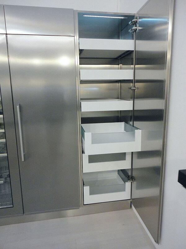 Arca Cucine Italia Cucine Domestiche Acciaio Inox Accessori Armadio Con Cassetti Interni Frontale Legno Vetro Satinato 2 020