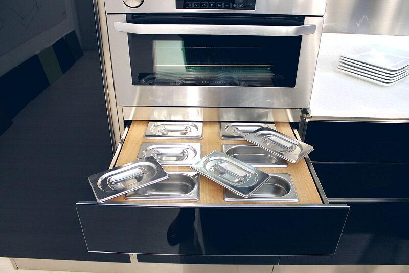 Arca Cucine Italia Cucine Domestiche Acciaio Inox Accessori Cassetto In Massello Di Faggio Con Contieni Condimenti 1 055