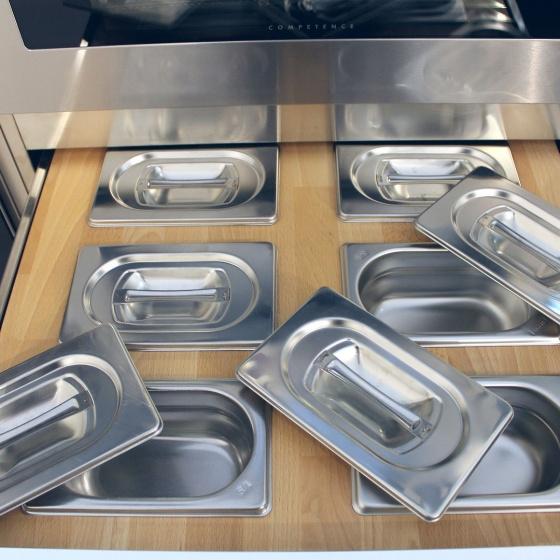 Arca Cucine Italia - Cucine Domestiche Acciaio Inox - Accessori - Cassetto In Massello Di Faggio Con Contieni Condimenti 2 054
