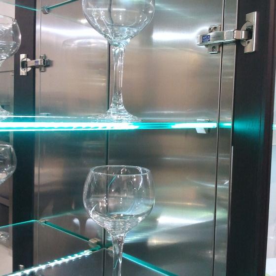 Arca Cucine Italia - Cucine Domestiche Acciaio Inox - Accessori - Illuminazione Led E Ripiani In Vetro 013