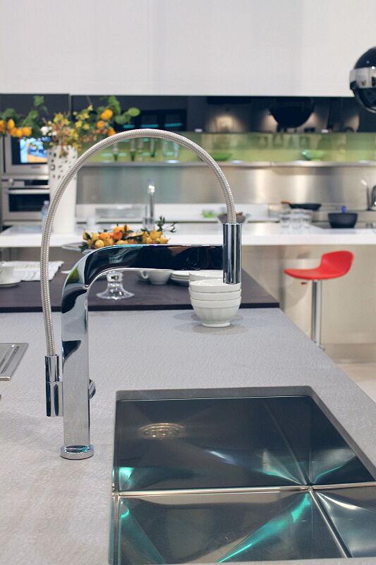 Arca Cucine Italia Cucine Domestiche Acciaio Inox Accessori Miscelatore Monocomando Con Canna Orientabile A 360° E Doccino 2 027