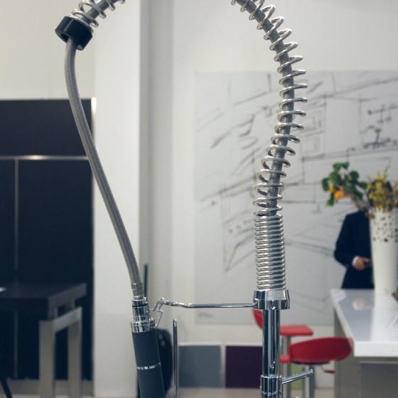 Arca Cucine Italia - Cucine Domestiche Acciaio Inox - Accessori - Miscelatore Monocomando Per Lavello Professionale Con Doccetta Estraibile 2 025
