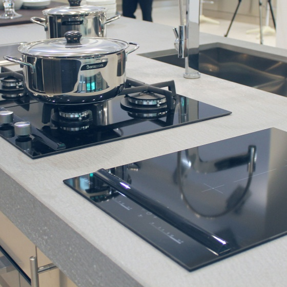 Arca Cucine Italy - Domestic stainless steel kitchens - Accessories - Combined Induction Hob And Gas 3 E Electric Plate 019