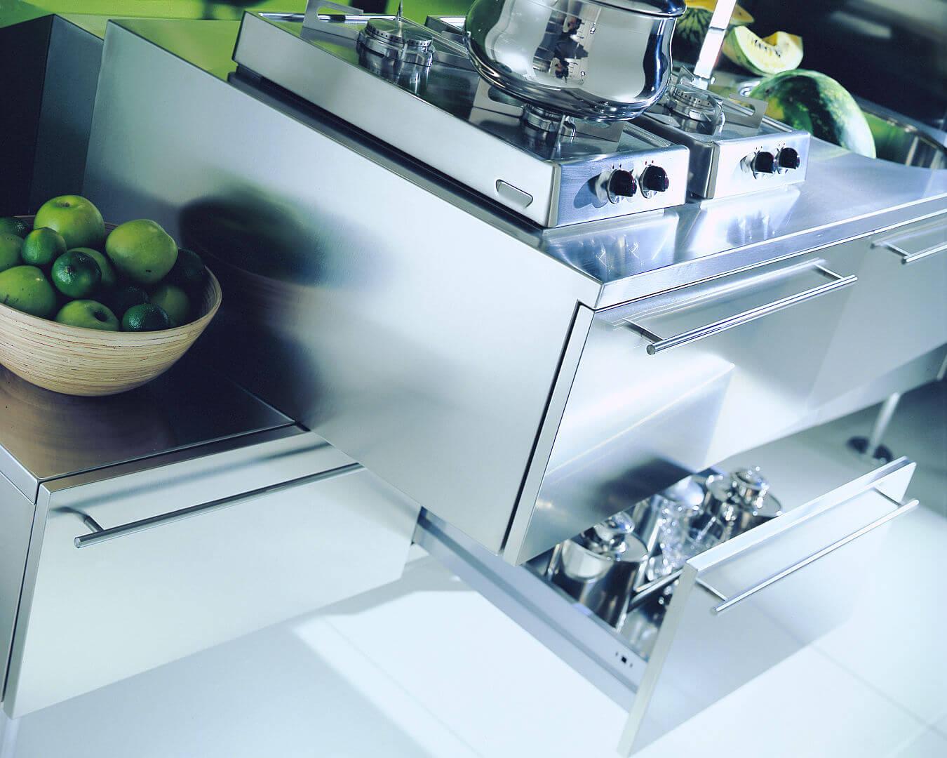 Arca Cucine Italia - Cucina in Acciaio Inox su misura - Cestone