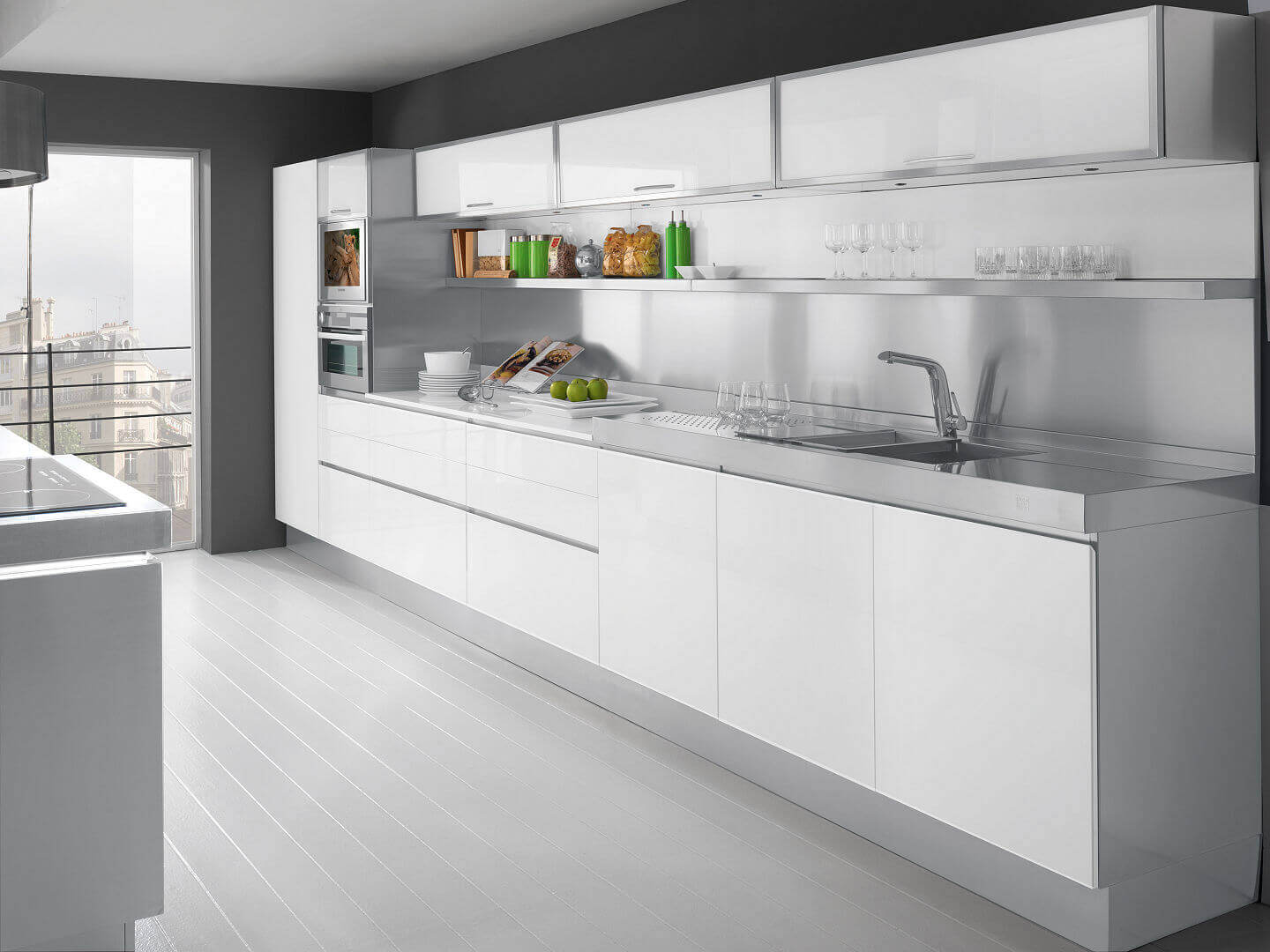 Arca Cucine Italy - Kitchen Maid Model Tren - In front Tinted Glass - Stainless steel structure - Top Steel - Central island with Hob.