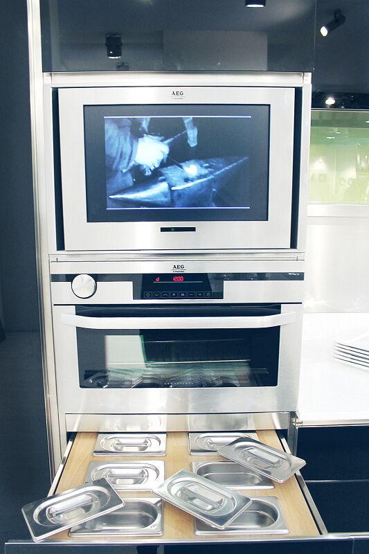 Arca Cucine Italia Cucine Domestiche Acciaio Inox Prisma Colonna Forno Tv